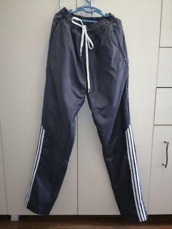 Новые осенние штаны 42-44 размер плащевка с подкладкой