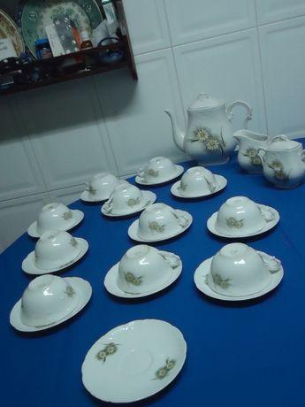 Serviço de Chá Vista Alegre 26 peças