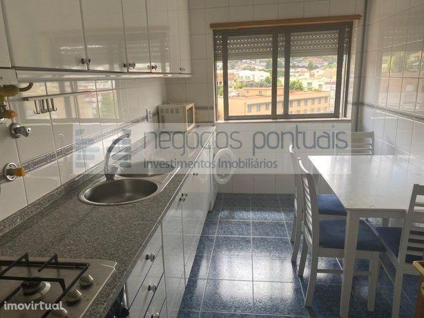 Apartamento T1- Cozinha equipada e quarto mobilado