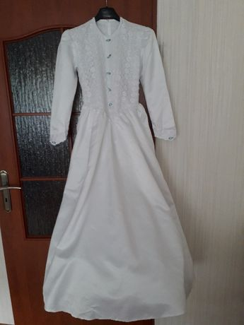 Sukienka komunijna z kompletem dodatków.