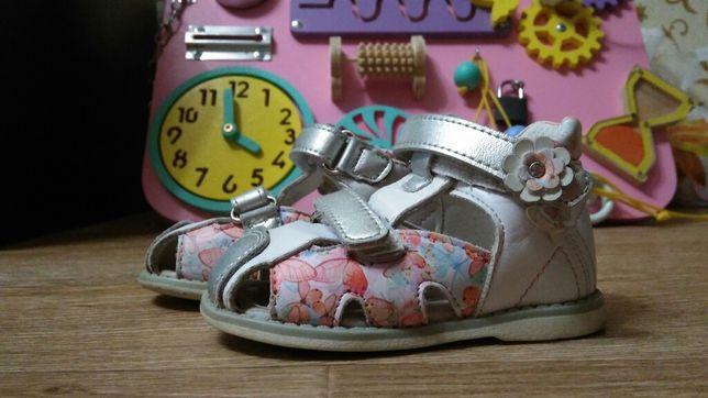 Кожаные сандали/босоножки для девочки