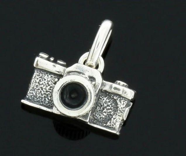 Srebrny wisiorek APARAT FOTO srebro 925 Dębe - image 1
