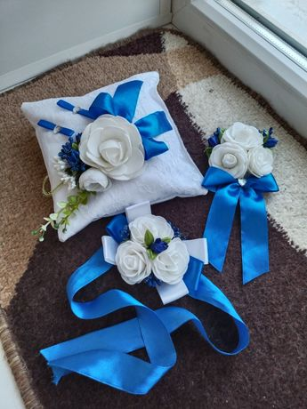 Подушечка и бутоньерки на свадьбу