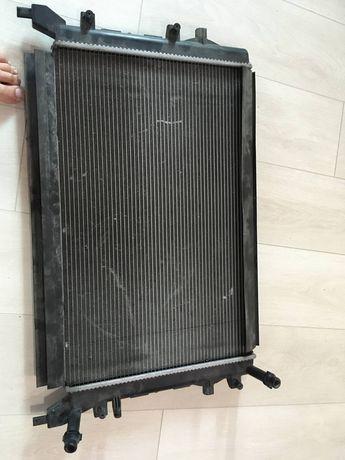 Радиатор охлаждения двигателя VW Passat B7 VP6