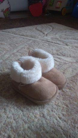 Buty jesienne, zimowe dla dziewczynki