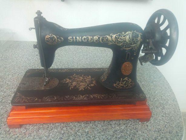Maquina costura Singer centenária