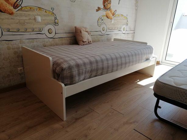 Cama dupla + colchões + camiseiro apenas por 300€