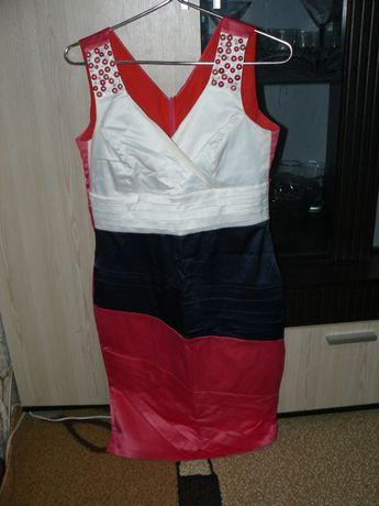 Платье нарядное 48 р. одето один раз