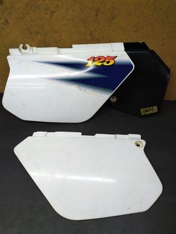 Owiewka osłona plastik tył boczek części Yamaha DT 125 R i E 88-03r