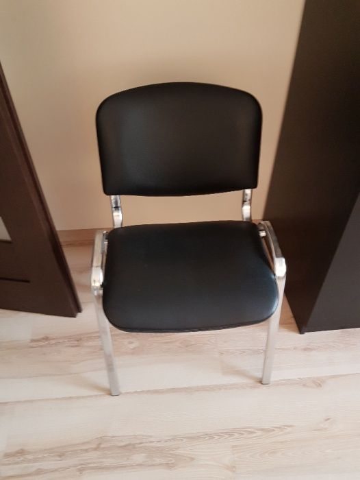 Krzesło skóra ekologiczna i nogi chromowane z oparciem