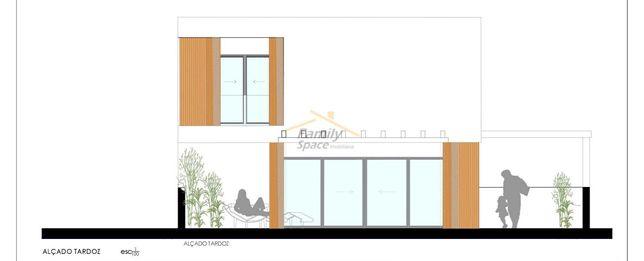 TERRENO Urbano 219m2-Construção Moradia 162m2-Projeto Aprovado
