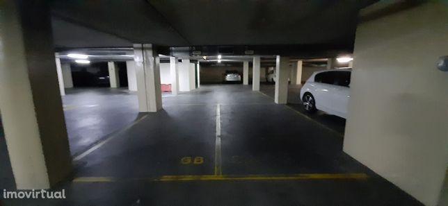 Lugar de Garagem, no Centro do Porto