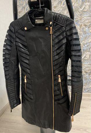 Кожанка куртка женская S Италия косуха