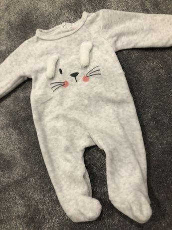 Pajac piżamka kombinezon welur królik 56