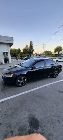 Продам свою машину vw Jetta 2012 года 2.5 газ/бензин