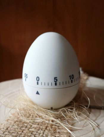 Minutnik kuchenny w kształcie jajka