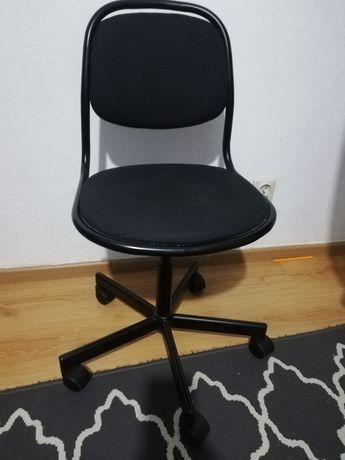 Dziecięce krzesełko biurkowe