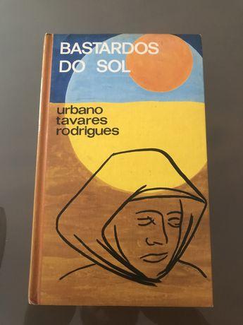 """Livro """"Bastardos do Sol"""""""