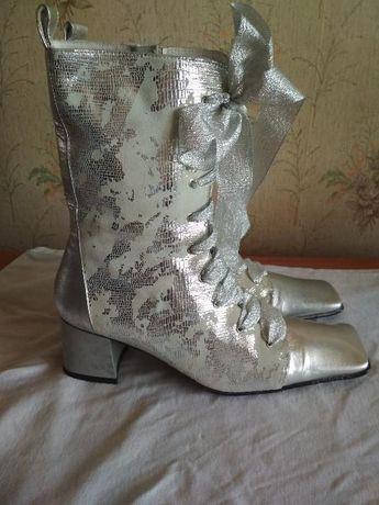 ботинки Vera Gomma 39 р. дл. стельки 25, 5 см
