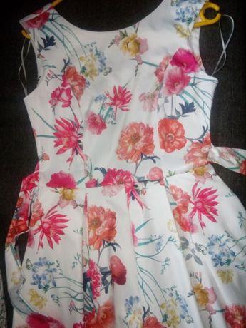 Sukienka elegancka w kwiaty r.36 - jak nowa