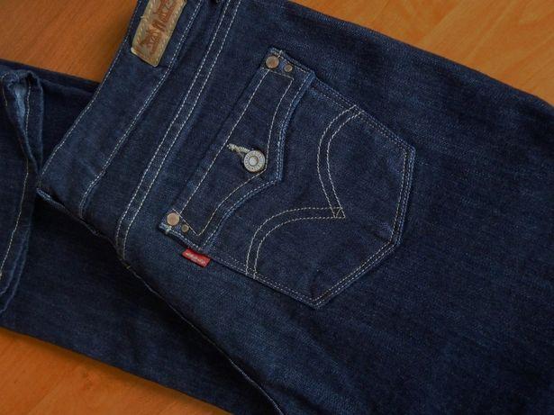 Оригинальные джинсы Levis 526 Slender boot /размер W30/L30