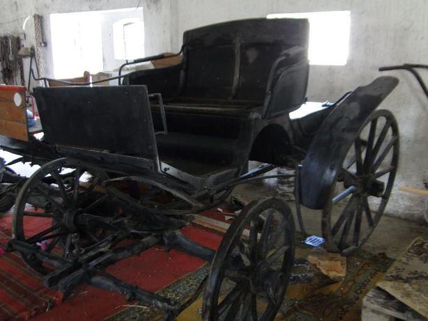 bryczka konna, wóz, karoca zabytek