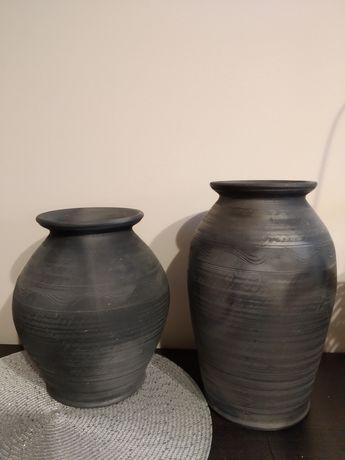 Dwa ręcznie wykonane wazony z gliny