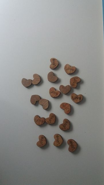 Placas em madeira coração Love + Oferta dos Portes