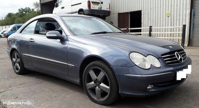 Mercedes CLK270 2.7CDI W209 de 2003 disponível para peças