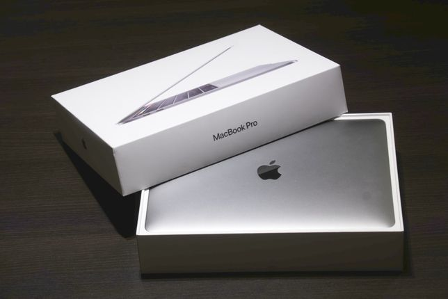 "Używany Apple MacBook Pro 13"" Touch Bar (2019)"