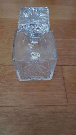 Garrafa de whisky em cristal da Atlantis