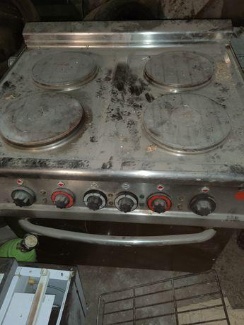 Kuchnia elektryczna 4 plytowa z piekarnikiem
