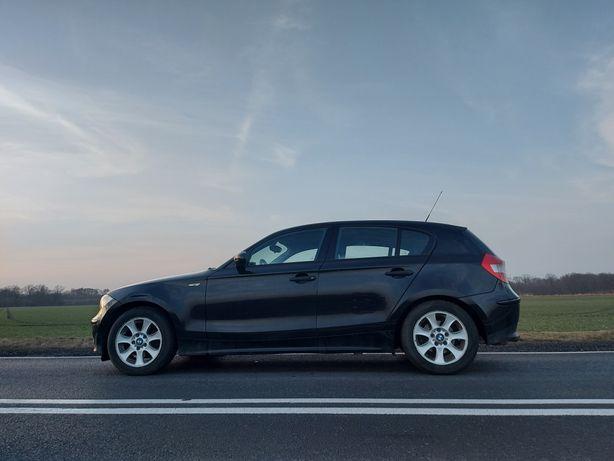 BMW 116i świeżo zrobiony rozrząd w całości oryginalne