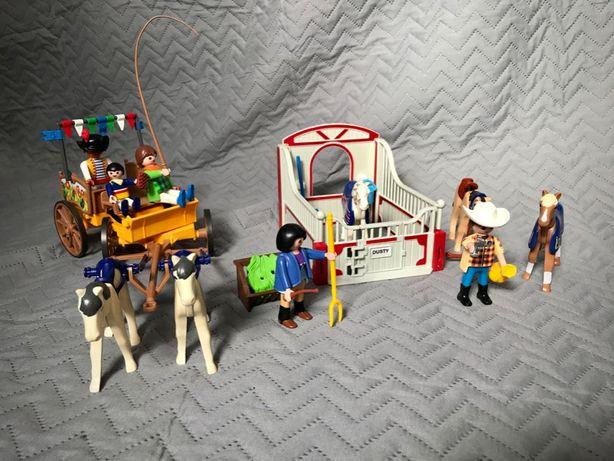 Playmobil - box dla konia, bryczka i kilka ludzików