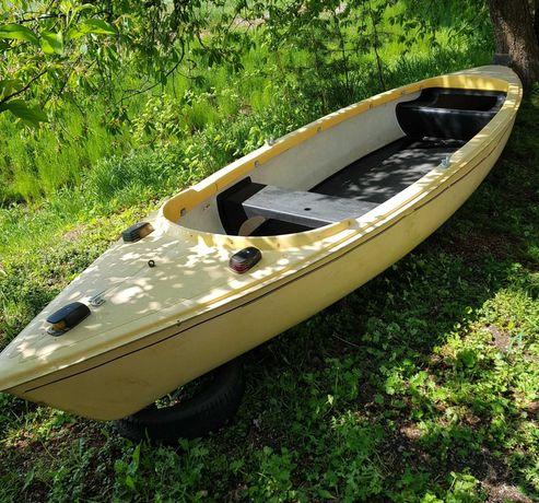 Ładna 5 metrów łódka , stan b. Dobry