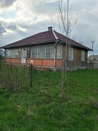 Продам будинок на великій ділянці землі