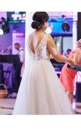 Suknia ślubna przepiękna, kratka M