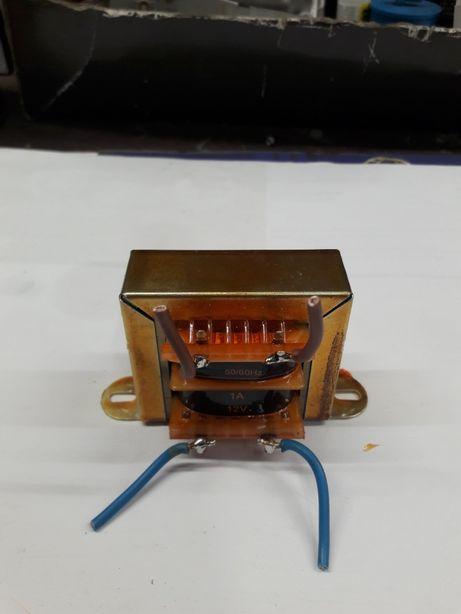 Transformador 220V 12V 1A
