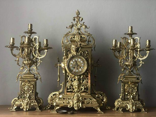 Zegar kominkowy z dwoma kandelabrami