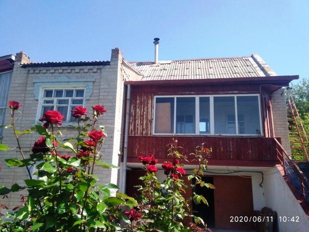 Продам дом в центре пгт Кушугум