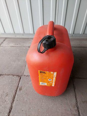 Kanister plastikowy na paliwo 20 litrow.