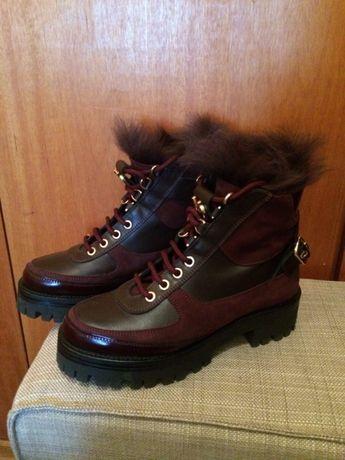 2 pares de botas da Uterque, pretas e bordeau, nº 36, novas