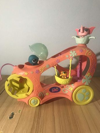 Машинка Littlest Pet Shop