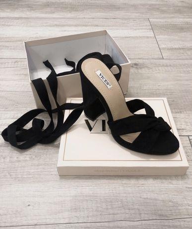 Nowe sandały na obcasie słupku Vices rozmiar 36