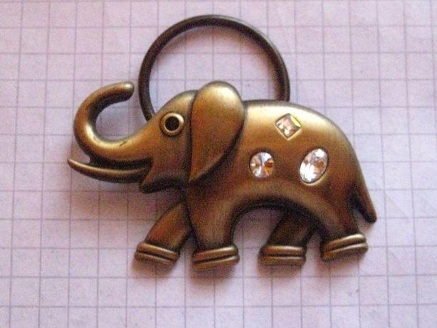 Слоник с камушками металлический с колечком