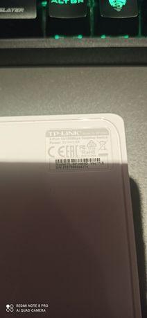 Desktop switch 10/100mbps