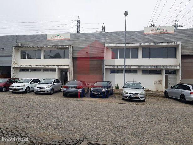 Armazém Industrial em Oleiros, Vila Verde