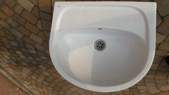 Umywalka Koło, 50cm z ceramiczną osłoną na syfon