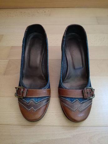 Sapatos ganga/pele novos