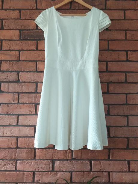 Sukienka L 40r śmietankowa biel biała